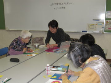 令和元年11月20日ちぎり絵教室制作風景1